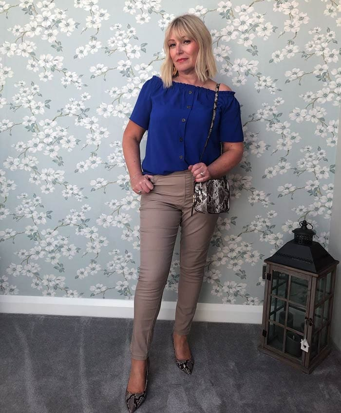 wearing pointed shoes can make you look taller   40plusstyle.com