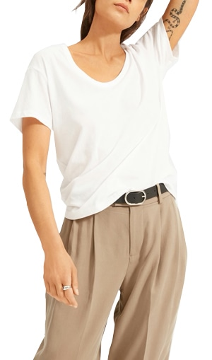 Best white t-shirts - Everlane 'The Air' scoop neck tee   40plusstyle.com