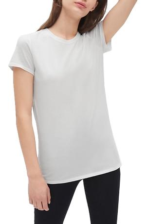 Best white t-shirts - GAP crewneck t-shirt   40plusstyle.com