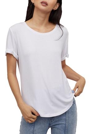 Best white t-shirts - H&M round neck t-shirt   40plusstyle.com