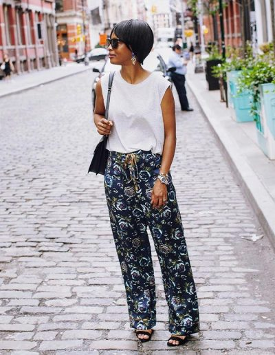 How to wear printed pants | 40plusstyle.com