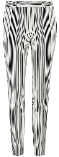 How to wear printed pants - striped pants | 40plusstyle.com