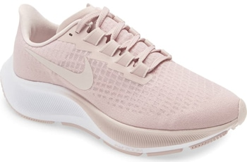 Athletic sneakers | 40plusstyle.com