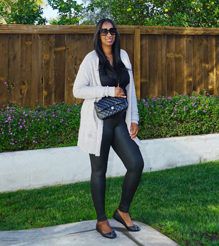 Casual look with ballet flats | 40plusstyle.com