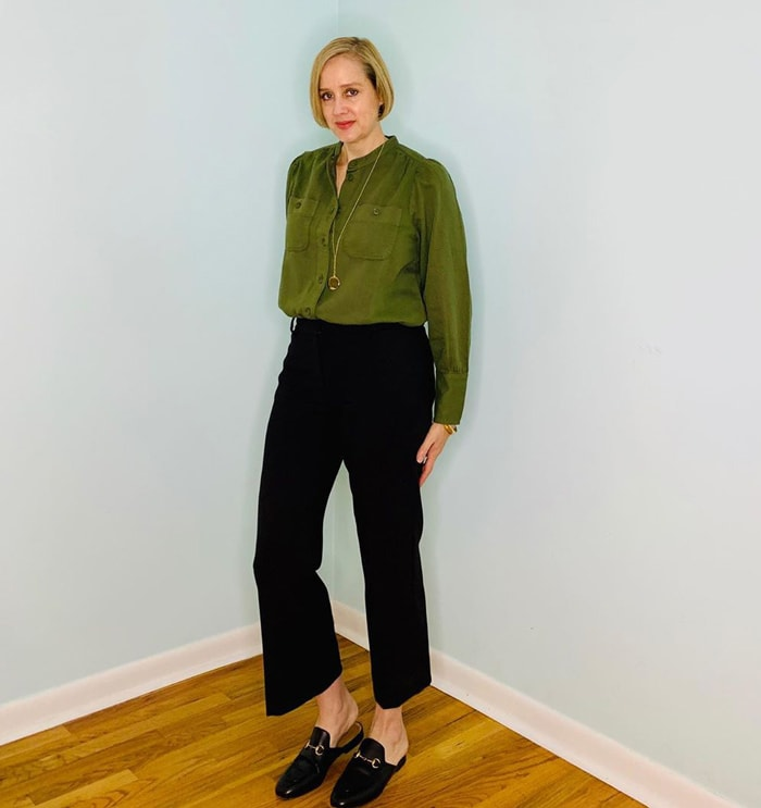 Work shoes for women - Ashley wearing mules with black pants | 40plusstyle.com