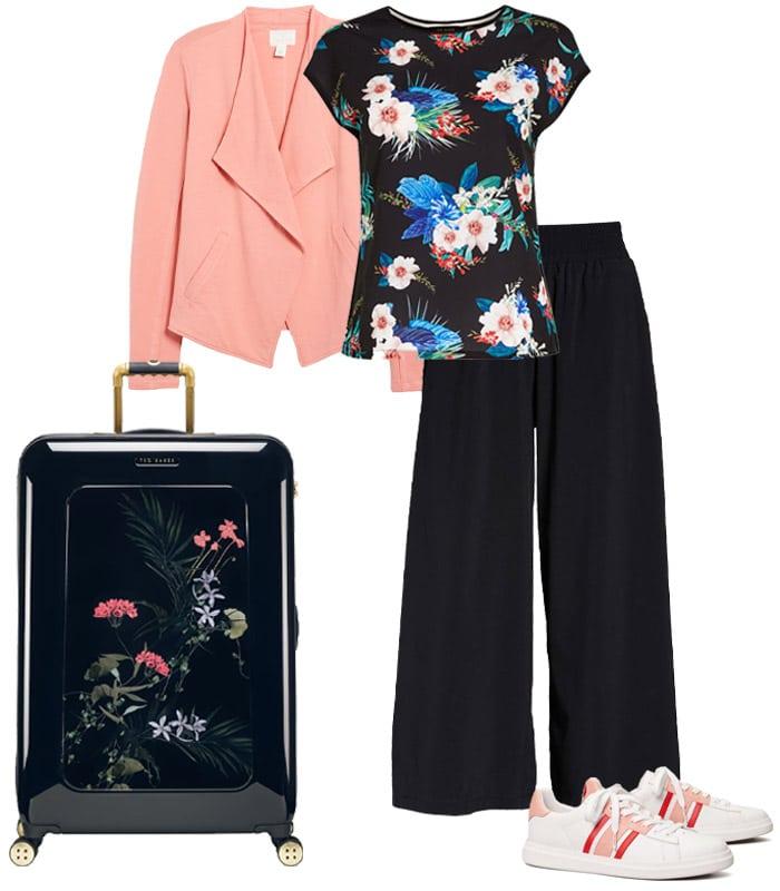 feminine stylish travel outfits | 40plusstyle.com