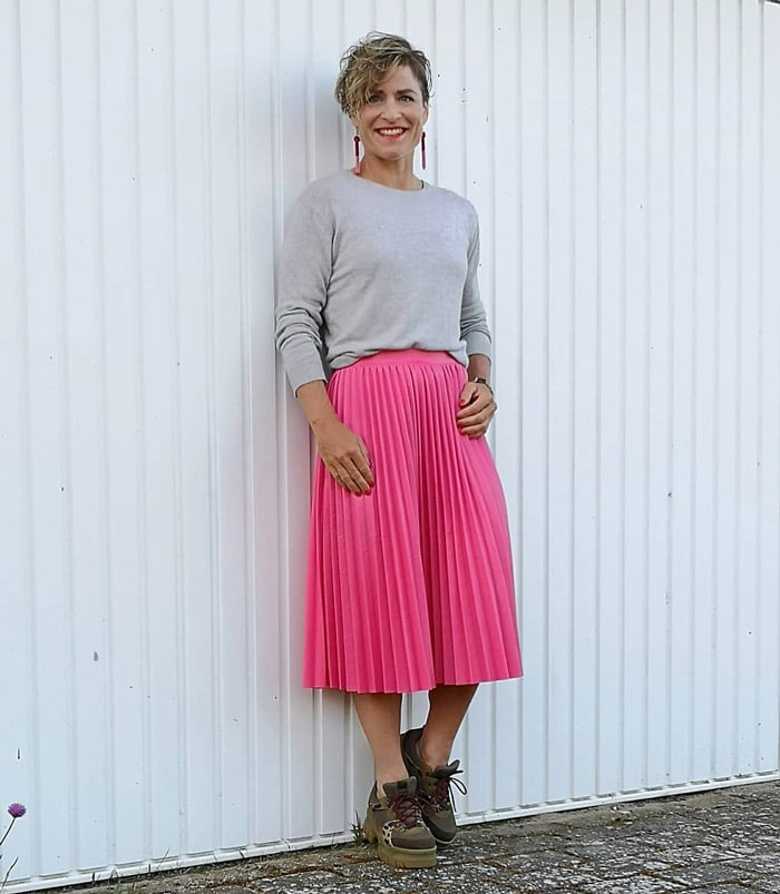 How to wear pink - Gitte wears pink and gray | 40plusstyle.com