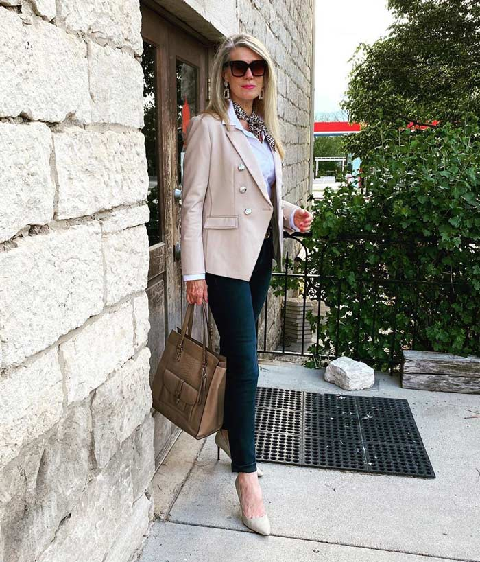 black jeans and a neutral blazer for a business conference | 40plusstyle.com