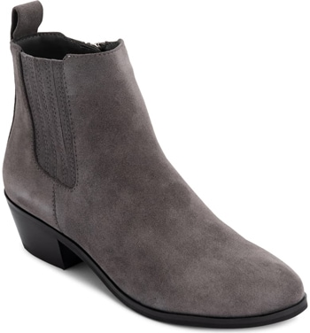Best winter boots for women - Blondo 'Sydney' waterproof bootie | 40plusstyle.com