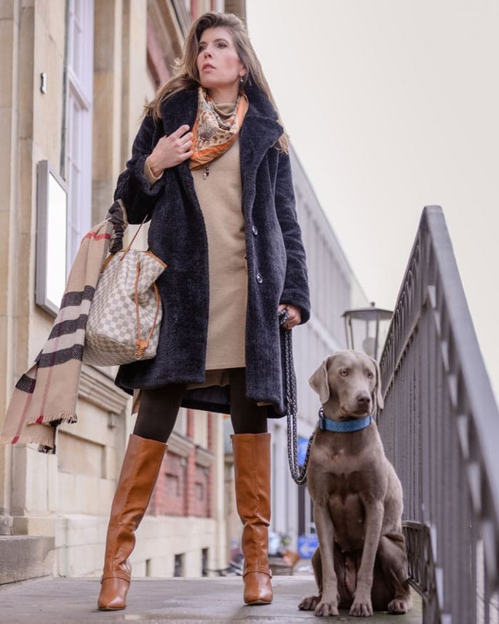 Best winter boots for women - Leonie in tan boots | 40plusstyle.com