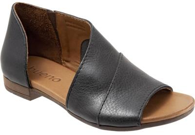 Bueno 'Tanner' sandal | 40plusstyle.com