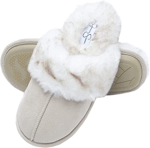 Jessica Simpson faux fur slipper | 40plusstyle.com
