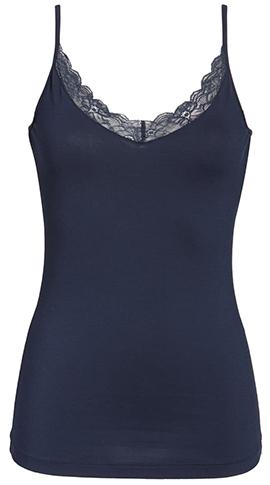 Best camisoles - Hanro cotton lace camisole | 40plusstyle.com