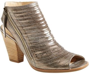 Paul Green 'Cayanne' leather peep toe sandal | 40plusstyle.com