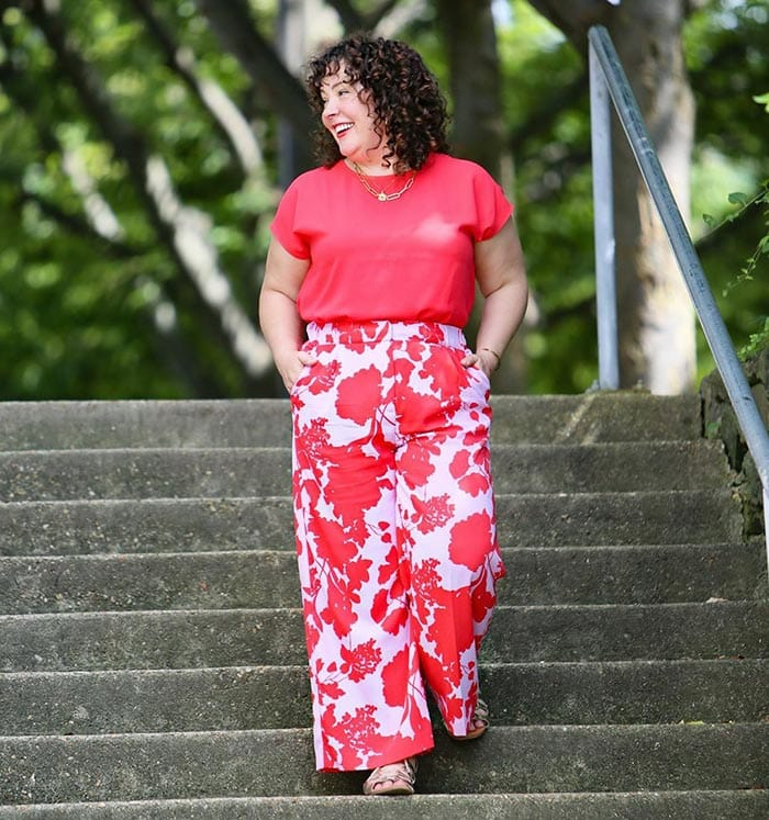 Alison wearing a red and pink outfit | 40plusstyle.com