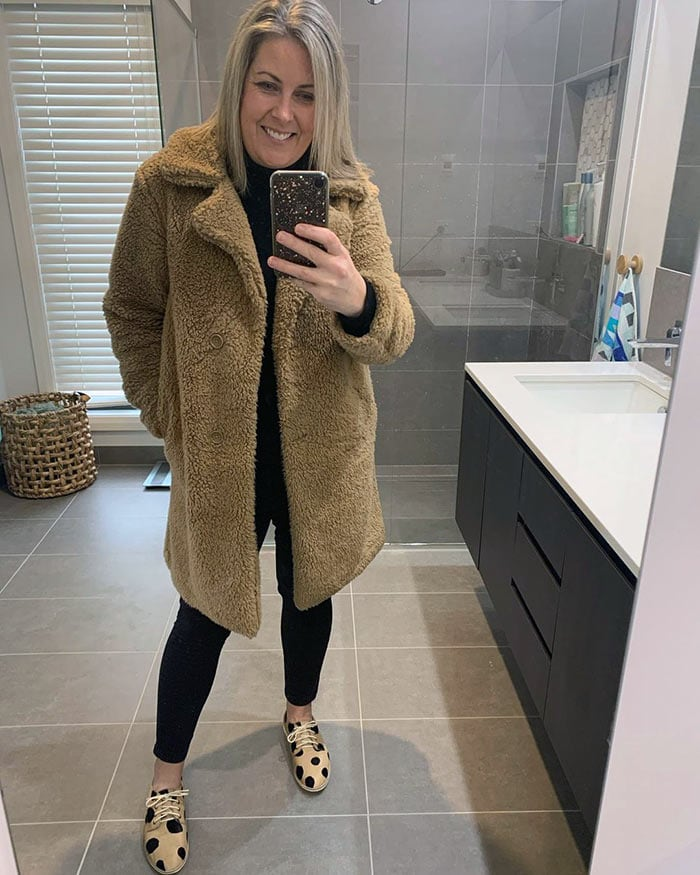 Beth wears a fluffy coat | 40plusstyle.com