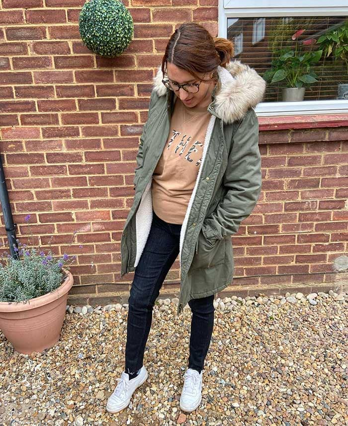 Winter essentials - Melissa wears a casual jeans outfit | 40plusstyle.com