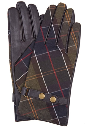 Barbour tartan gloves | 40plusstyle.com