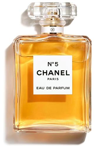Thoughtful gifts - CHANEL N°5 eau de parfum spray | 40plusstyle.com
