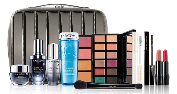 Gifts for make up lovers - Lancôme Full Size Beauty Box Essentials Set | 40plusstyle.com