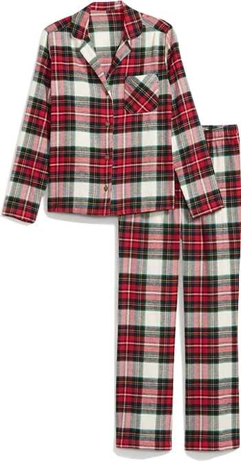Old Navy patterned flannel pajama set | 40plusstyle.com