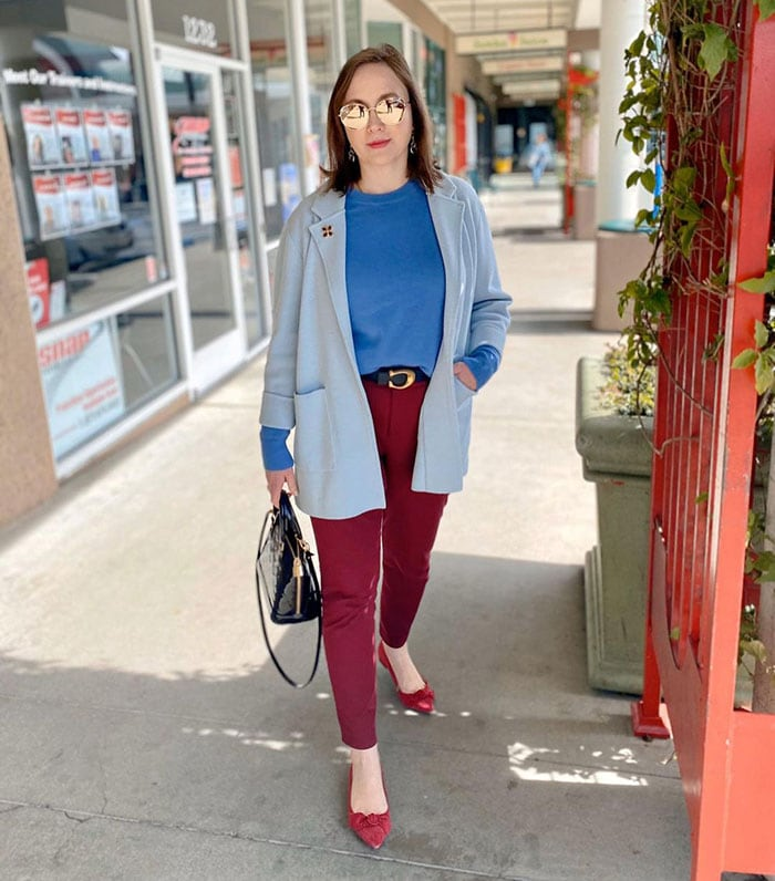 How to dress for Thanksgiving - Oxana wearing red pants | 40plusstyle.com