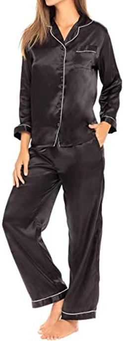 Alexander Del Rossa button down satin pajama set | 40plusstyle.com