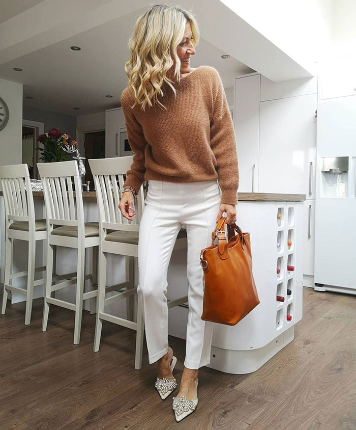 How to find your style - Abi wears an all-neutral outfit | 40plusstyle.com