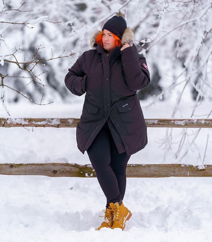 Hiking outfits for women - Dawn wears a cozy coat and lace-up boots | 40plusstyle.com