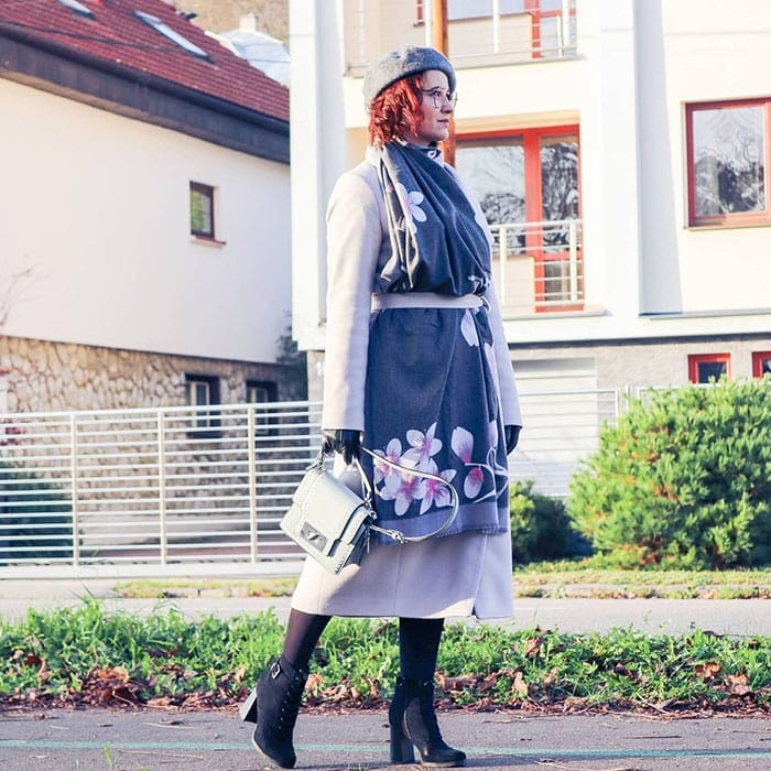 Best winter gloves for women Erika wears black leather gloves | 40plusstyle.com