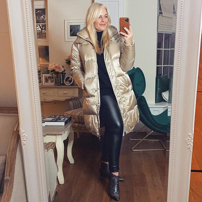Joanna in a gold puffer coat | 40plusstyle.com