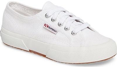 Superga sneaker | 40plusstyle.com