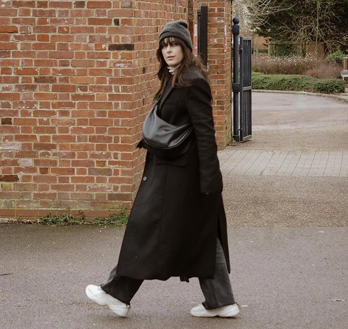 Anna wears a coat and over the shoulder bag | 40plusstyle.com