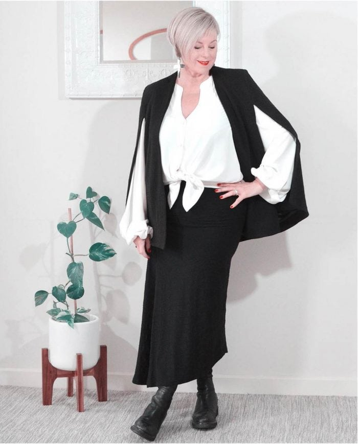 Deborah in a monochrome outfit | 40plusstyle.com