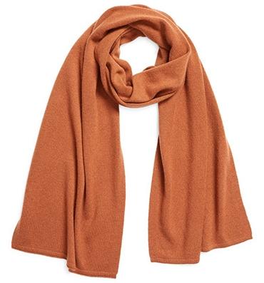 Everlane cashmere scarf   40plusstyle.com