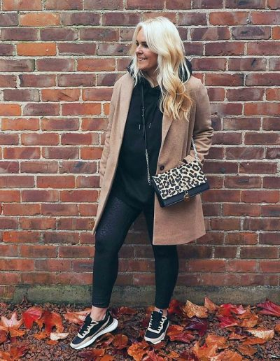 How to wear leggings for women over 40 - a complete guide | 40plusstyle.com