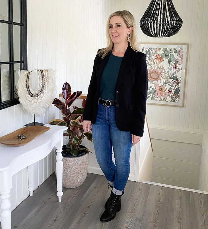Karen in a blazer and jeans   40plusstyle.com