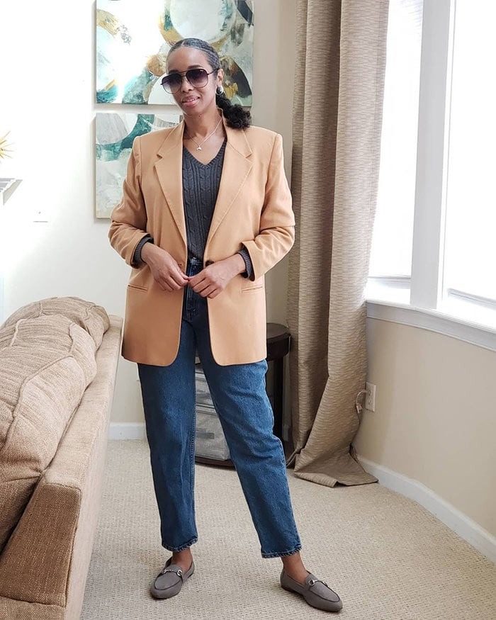 Mo in an oversized blazer | 40plusstyle.com