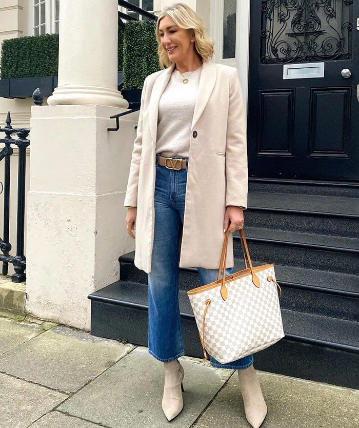 how to dress over 40 | Sarah opts for a classic outfit