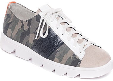 Bernardo Dakota Sneaker | 40plusstyle.com