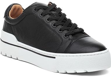 JSlides Eve Platform Sneaker | 40plusstyle.com