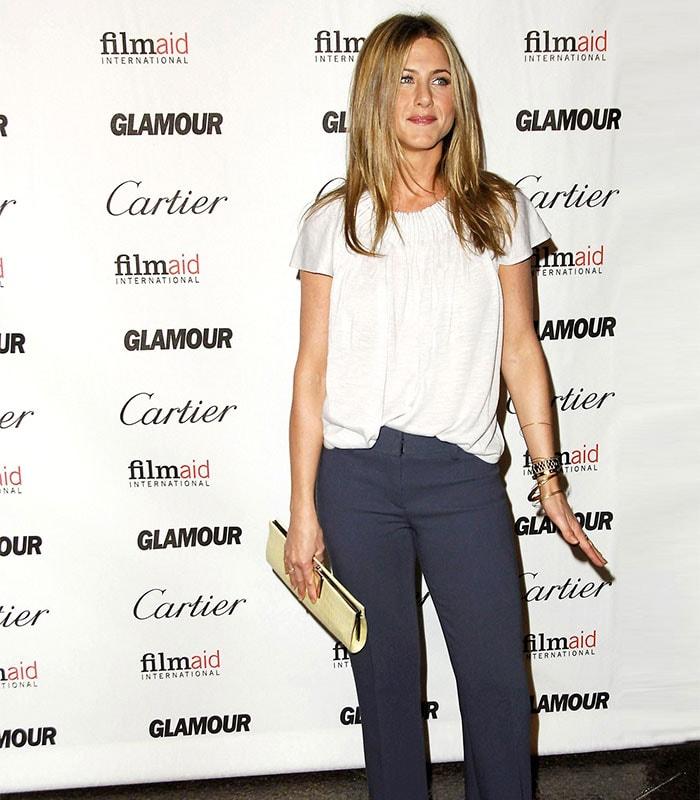 How to dress like Jennifer Aniston