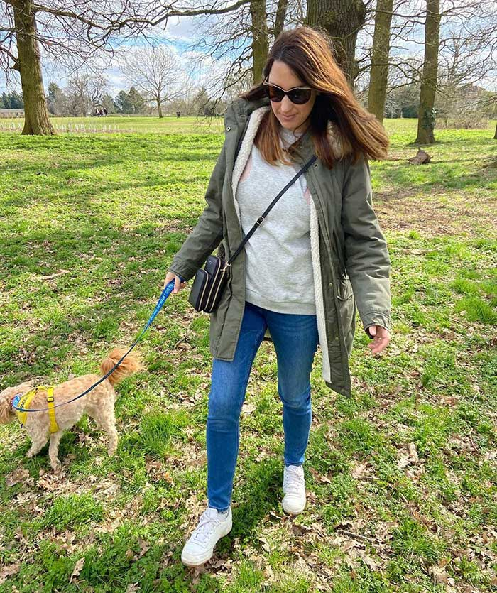 Melissa in a crossbody bag and jeans   40plusstyle.com