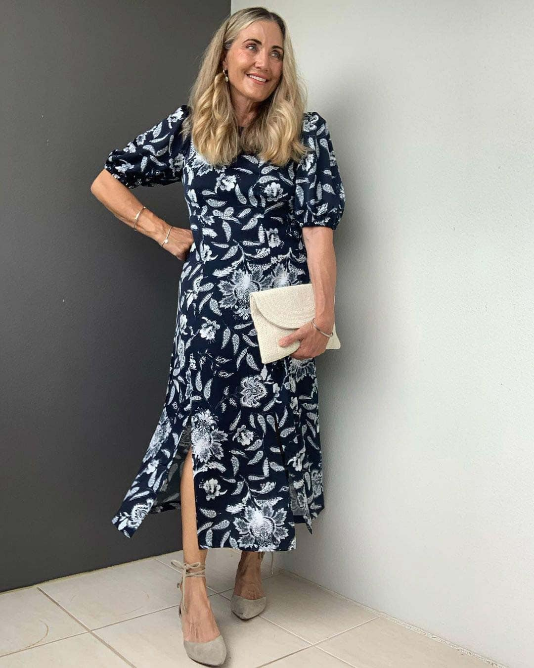 Melinda wears a monochrome dress | 40plusstyle.com