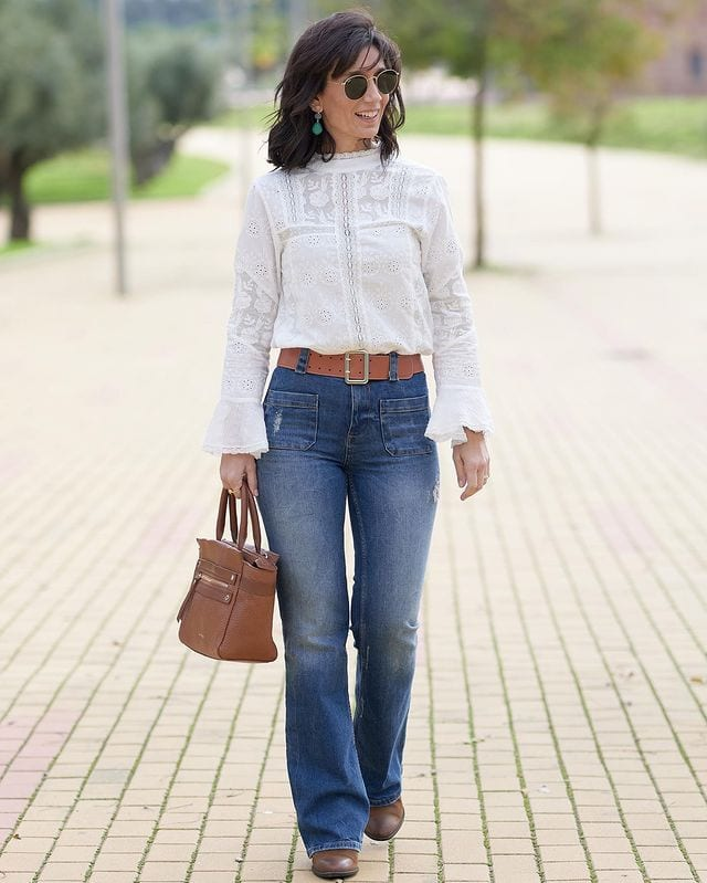 Patricia wears jeans and a white top | 40plusstyle.com