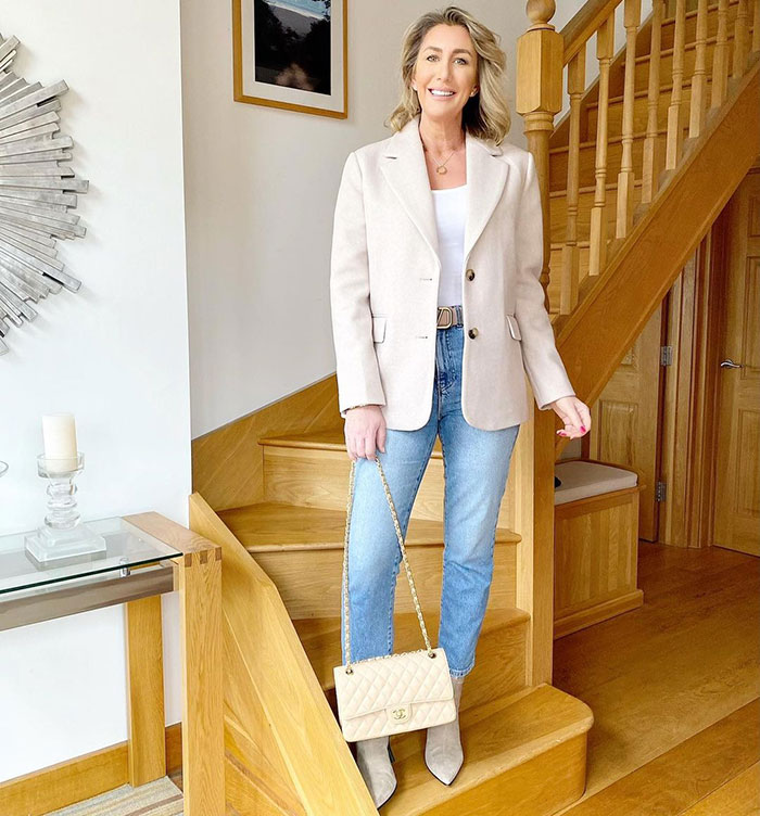 A jeans and blazer outfit   40plusstyle.com