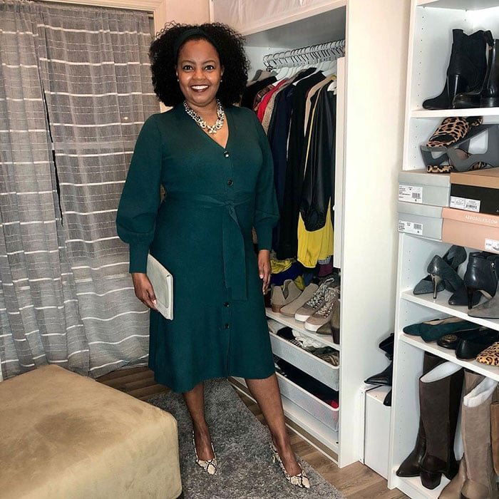Easter outfits - Shonte wears a green dress | 40plusstyle.com