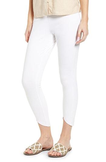 Lyssé scallop edge denim leggings | 40plusstyle.com
