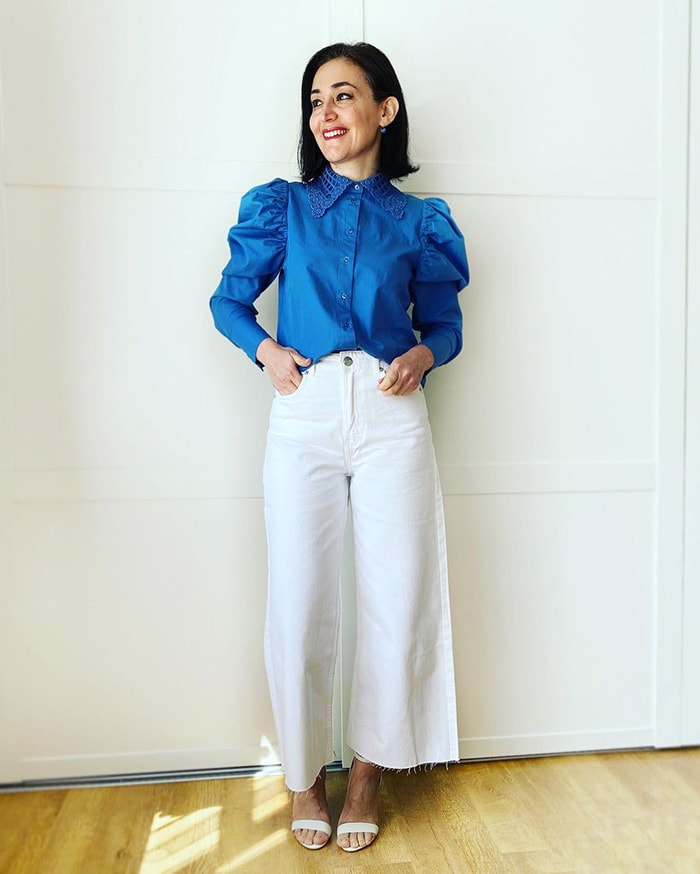 Best white jeans - Emms in a blue top and white jeans | 40plusstyle.com
