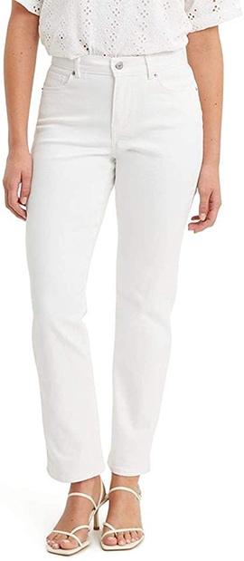Levi's straight jeans | 40plusstyle.com
